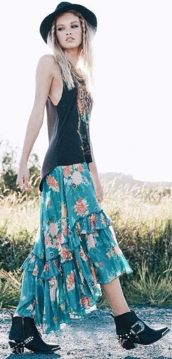 Boho fashion has been influenced by the colorful hippie trends ofthe 1960s.